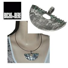BICHE DE BERE Pendentif original moderniste plaqué argent perle vert bijou
