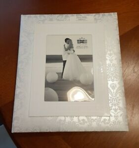 Hallmark Stories Ivory Wedding Memory Photo Keepsake Album Book with Box