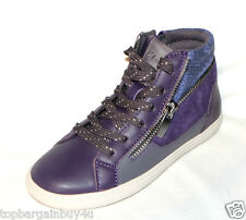 """Clarks """"Zita Snake"""" girls boots /shoes size 10.5F . New"""