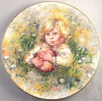 INNOCENCE Wedgwood 1st Issue Blossoming Of Suzanne Mary Vickers Plate Mint 1977