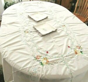 13pc 12 Napkins,Rect Dining Room Tablecloth,Gold,Yellow,White Embroidered Roses