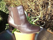 FIORE BROWN LEATHER RIDING STYLE BOOTS SIZE 7