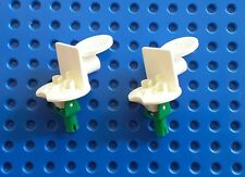 LEGO 30488C01 WHITE SPORTS MINFIG STAND SCOCCER. From sets 3420, 3423, 3569 etc