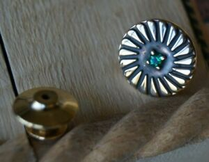 *Retired* James Avery 14k Gold Pin Wheel Tie Tac with Emerald