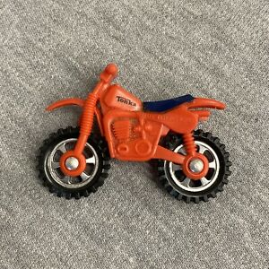 1982 Tonka Red w/ Blue Seat Motorcycle Dirt Bike Toy 2 1/4""
