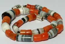 A BEAUTIFUL BRACELET OF ANCIENT SULEIMANI AGATE & ANTIQUE NATURAL CORAL BEADS