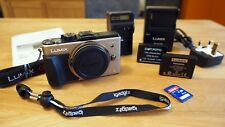 Panasonic LUMIX DMC-GX1 16MP fotocamera digitale corpo argento Touchscreen Micro 4/3 3D