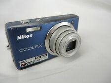 Nikon Coolpix S560 10MP Digital Camera Blue -Camera battery cover clips broken