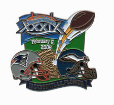 Eagles Patriots Dueling Helmet Football Super Bowl XXXIX PIN Pin