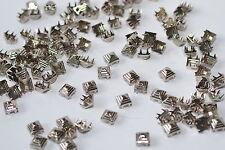 100x quadratische Pyramidennieten Krallennieten, 9 x 9 mm, Silber-Nickel, USA