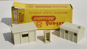 TRIANG TT T37 BOXED LINESIDE HUTS