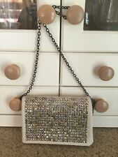 DEENA & OZZY CREAM STUDDED BAG WITH CHAIN STRAP LIGHT SIGNS OF USE GOOD CONDITIO