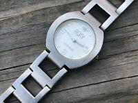 Quiksilver Roxy Women Watch Analog Silver Tone Wrist Watch
