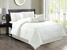 7-P Hoku Square Bordered Hexagonal Embroidery Comforter Set Off-White Gold Queen
