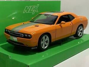 2012 Dodge Challenger SRT Orange 1:24 Scale Welly 24049O