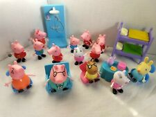 LOT OF 22 PEPPA PIG FIGURINES  PLAYHOUSE FURNITURE  14 FIGURINES +  8 FURNITURE