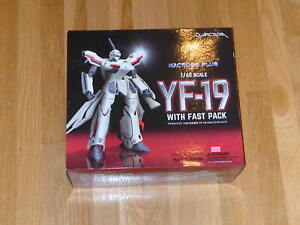 YF-19 With Fast Pack 1/60 scale (Arcadia) Macross Plus Robotech