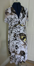 Anne Smith White Brown Yellow size 16 summer dress short sleeve V neck stretchy