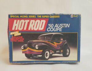 Vintage Revell 1/25 '50 Austin Coupe Plastic Model Kit #7120 - OPEN BOX