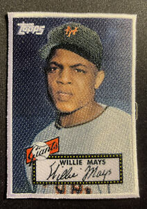 2021 Topps Series 1 WILLIE MAYS Iconic Cloth Patch