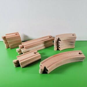 KidKraft THOMAS WOODEN RAILWAY Curved & Straight Track Pieces   Lot of 17