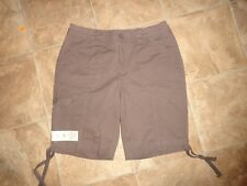 Women's St. Johns Bay Brown Bermuda Shorts Elastic Waistband Size 4P NWT