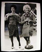DEBBIE REYNOLDS & RICH LITTLE IN DRAG   PHOTO 1972 #7906