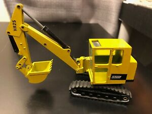NZG #107 Schaeff HR25 Track Excavator - Scale 1:35 - Die Cast Model!!!
