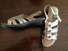 New Grosby Footglove bronze sandals Size 10 (Leather upper,lining, sole &sock)