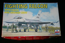 ESCI F-16 Fighting Falcon with ground crew 1:72 scale model kit 9078.