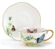 Juego de taza y platillo de té