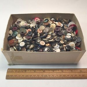 BOX OF MISC. VINT. BUTTONS -WEIGHT: 2 LBS. 11 OZ. - ESTIMATED ALL MADE IN U.S.A.
