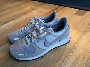 Nike Air Gr. 42,5 grau - fast wie neu