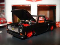 1973 CHEVROLET SCOTTSDALE SQUAREBODY TRUCK LIMITED EDITION 1/64 RED WHEELS M2