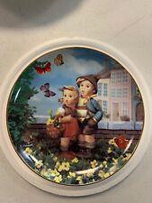 """M.I. Hummel Little Companions """"Surprise"""" Plate Collection Tv1162 Danbury Mint"""