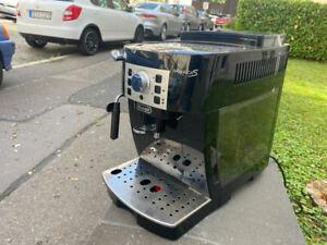 DeLonghi Magnifica S ECAM 22.110 B Kaffeevollautomat
