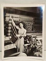 "Original Vintage Susan Hayward Shopping 4"" x 5"" B&W AP / WORLD WIDE PHOTO"