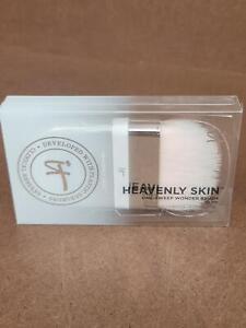 It Cosmetics Heavenly Skin One-Sweep Wonder Brush No 705 - Sealed