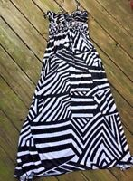 CYNTHIA ROWLEY Chevron Zebra Stripe SASSY Maxi Sleeveless Dress WOMENS Size L