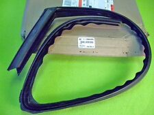GM 25641570 Left Front Upper Window Glass Run Channel, 1995-99 Cadillac Deville