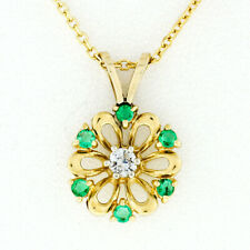 Vintage Petite 14k Gold .25ctw Diamond & Emerald Flower Cluster Pendant Necklace