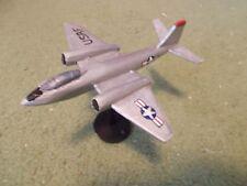Built 1/144: American MARTIN B-57B Bomber Aircraft USAF