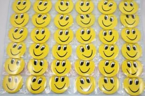 40 x Smiley Face Yellow Happy Face Button Badges Kids Birthday Party Loot 30mm