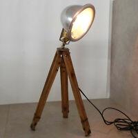 alte Holz Stativlampe, Tripotleuchte, Dreibeinlampe, Aluminiumschirm, Sockel mit
