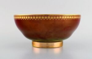 Carlton Ware, England. Bowl in porcelain with trees and gold decoration.