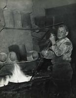 1955 Vintage 16x20 FOUNDRY MEDAL Bronze Worker France Photo Art ROBERT DOISNEAU