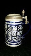 Alter Relief Bierkrug Marzi & Remy Westerwald mit Zinndeckel mit Keramikeinlage