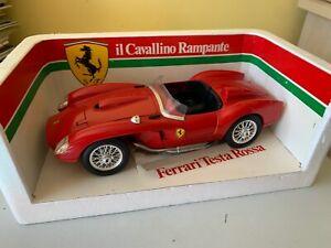 Burago Ferrari 250 Testa Rossa 1957 - 1:18 Boxed
