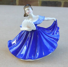 ROYAL DOULTON Small Porcelain Figurine of a Lady - Elaine HN3214