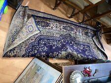 vecchio tappeto persiano con colori vegetali